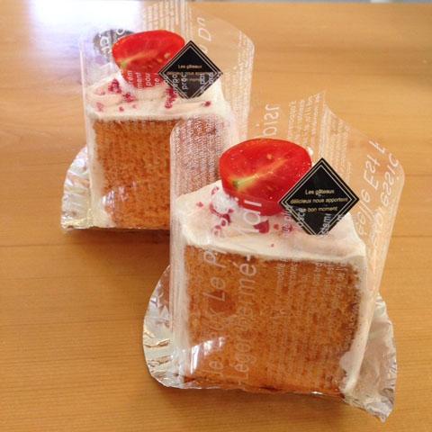 トマトのシフォンケーキ